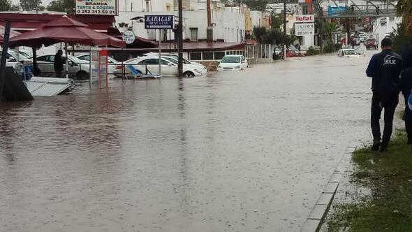 Denizdeki hortumun ardından Bodrumu yağmur ve dolu vurdu - Ek fotoğraflar