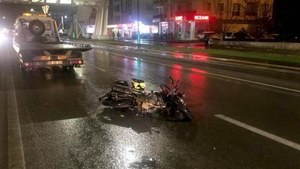 Sivasta motosiklet yayaya çarptı: 2 yaralı