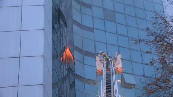 /Ek fotoğraflar/ Şişlide 17 katlı iş merkezinde yangın