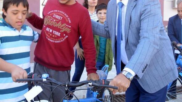 Başkan Gül: Engelleri birlikte aşıyoruz