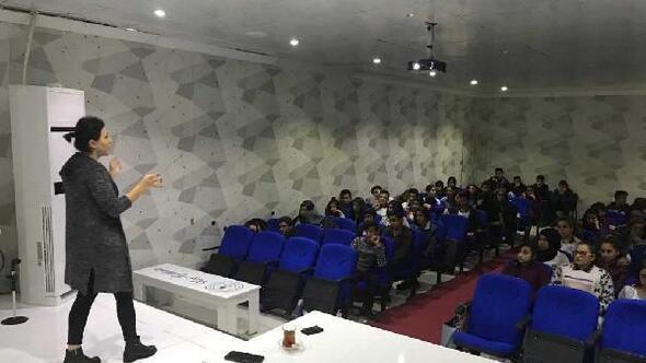 Gölbaşı'nda öğrencilere beslenme semineri