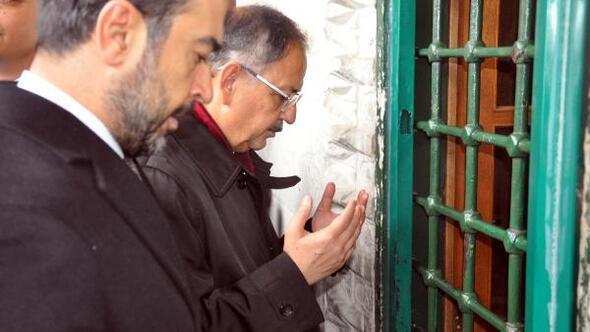 Özhaseki, Hacı Bayram-ı Veli Türbesini ziyaret etti