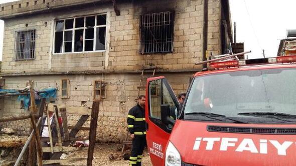 Sobadan çıkan yangında ev eşyaları kül oldu