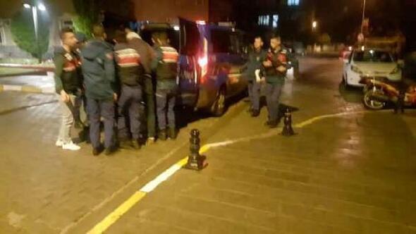 Bakkaldan silahlı soyguna 2 tutuklama