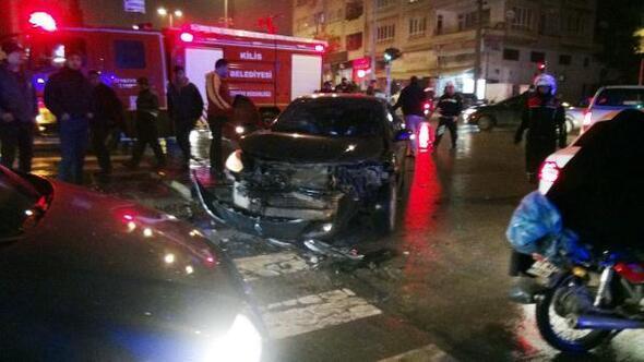 Kiliste iki otomobil çarpıştı: 5 yaralı