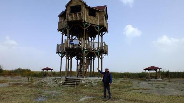 Eber Gölüne kule