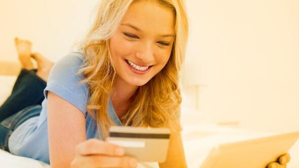 İki kişiden biri mobil bankacılık uygulaması kullanıyor