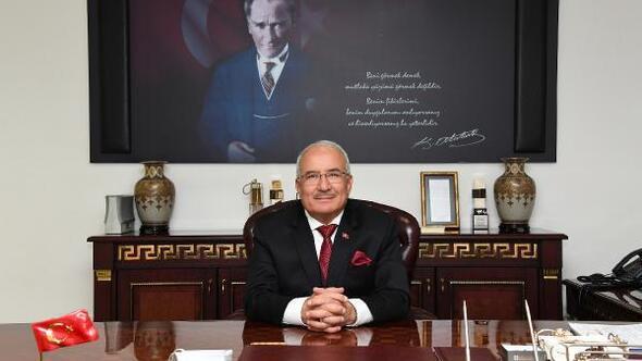 Mersin Büyükşehir Belediye Başkanı Kocamaz, İYİ Partiye geçtiğini duyurdu (2)
