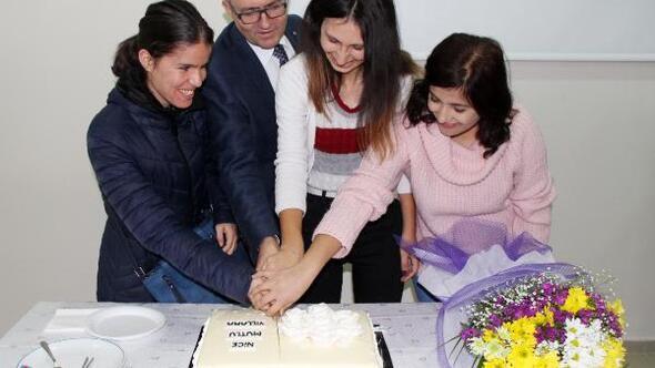 Engelli öğrenciye sürpriz doğum günü