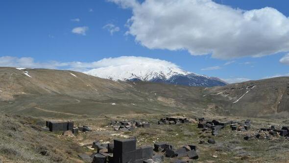 Adilcevazdaki Kef Kalesinde 46 yıl aradan sonra arkeolojik araştırma yapıldı