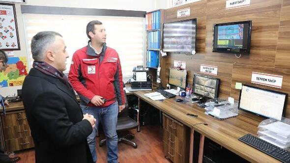 Vali Bilgin, Türk Kızılay'ı Kuzey Marmara Bölge Afet Yönetim Müdürlüğünü ziyaret etti