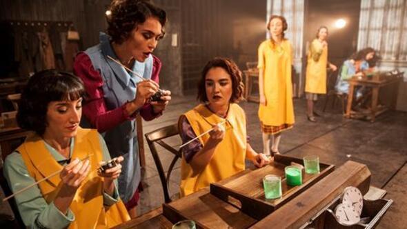 Kadın yazarların kaleminden tiyatro sahnesine