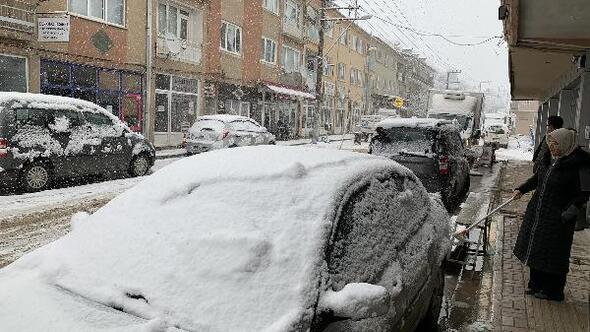 Keleste kar yağışı başladı