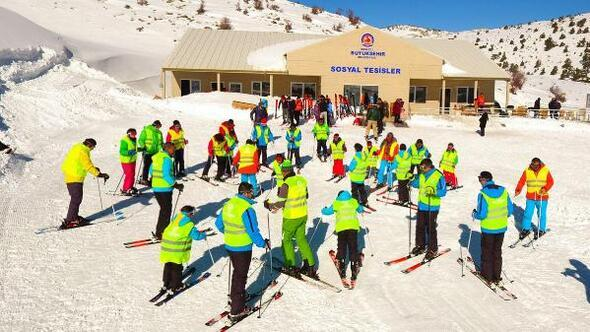 Denizlide Büyükşehir Belediyesi, ücretsiz kayak eğitimi verecek
