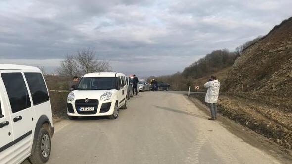 Yol kenarında cesedi bulundu