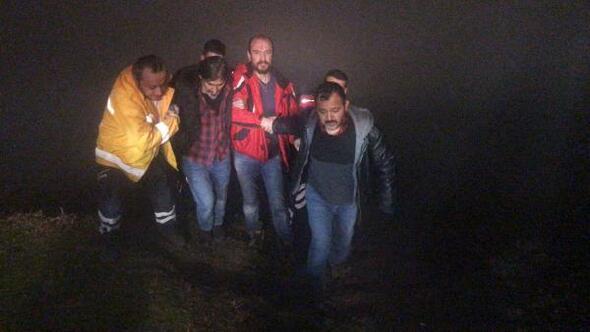 Kamyonetle 250 metrelik uçuruma yuvarlandılar: 2 yaralı