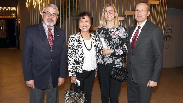 Büyükelçilere özel gösterim