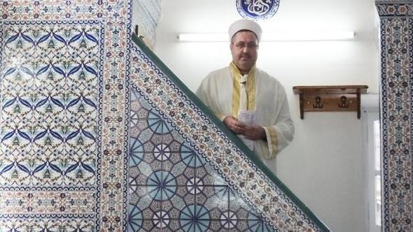 Şair imam, şiirlerini kitapta toplayacak