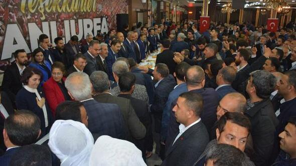 Şanlıurfa'da, seçilen başkanlar tebrikleri kabul etti