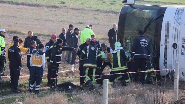 Denizlide yolcu otobüsü devrildi: 2 ölü, 35 yaralı- Yeniden