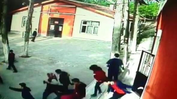 Acıpayamdaki depremde öğrencilerin korku anları kamerada
