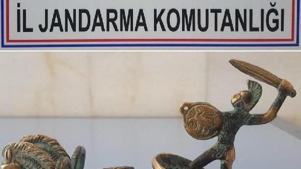 Otomobilin bagajında, Roma Dönemine ait heykel bulundu