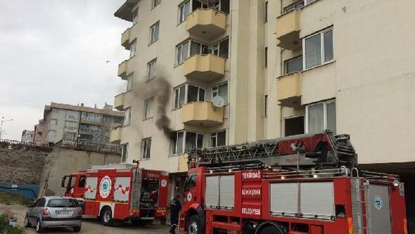 Apartmanın boş dairesinde yangın çıktı