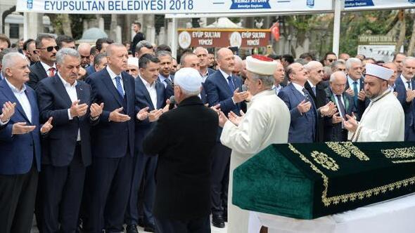 Cumhurbaşkanı Erdoğan, Hayati Yazıcının babasının cenazesine katıldı