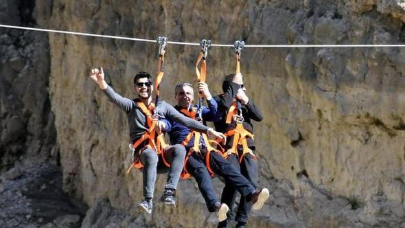 Karanlık Kanyonda zipline heyecanı