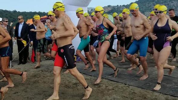 Dalyanda deniz kaplumbağaları ile yüzüyoruz etkinliği