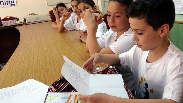 Öğrencilerin mektup kardeşliği