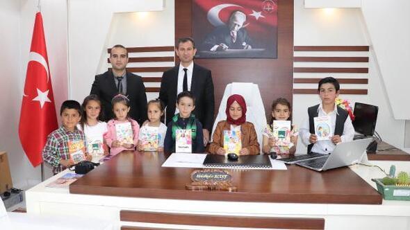 Midyat İlçe Milli Eğitim Müdürü Altaydan öğrencilere kitap hediyesi