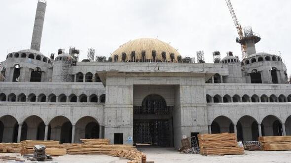İzmirde yapılan 15 bin kişilik caminin yüzde 90ı tamamlandı