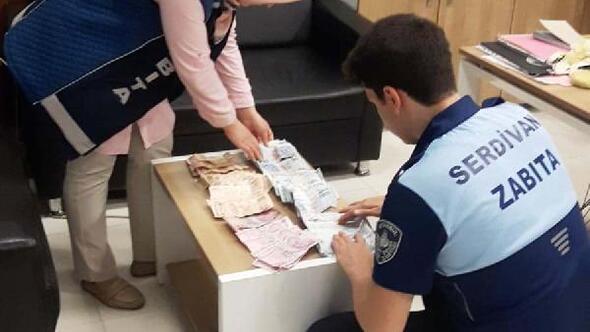 Bebeğiyle dilenen kadının üzerinden 11 bin 430 lira çıktı