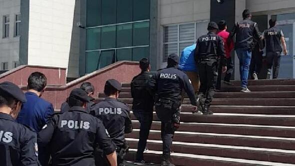 Karsta FETÖden gözaltına alınan 5 asker tutuklandı