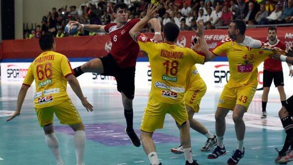 Hentbol Milli Takımı, Makedonya'ya 26-25 yenildi