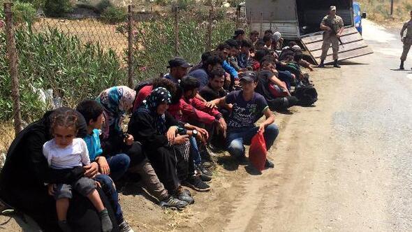 Yayladağında 40 kaçak göçmen yakalandı