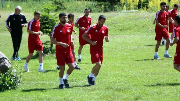 Sivassporun Bolu kampı sürüyor
