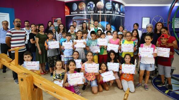 Çocuklar modern bilimin temellerini deneylerle öğrendi