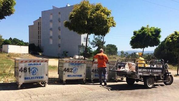 Geliboluda çöp konteynerlerini dezenfekte ediliyor