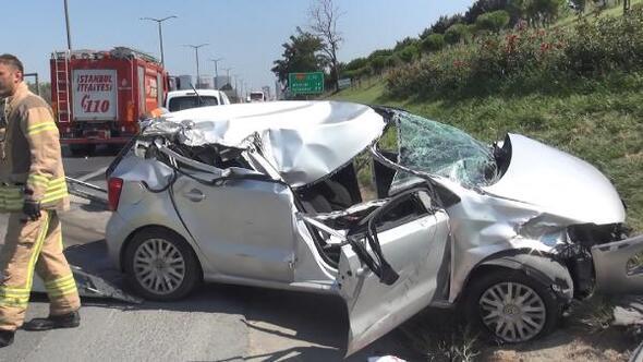 Hadımköyde kamyon ve otobüse çarpan otomobilin sürücüsü ağır yaralandı
