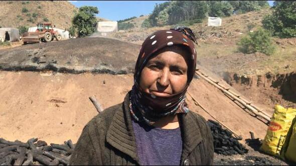 Bayburtta işçilerin zorlu mangal kömürü mesaisi