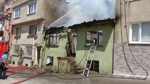 Bursada ev yangını