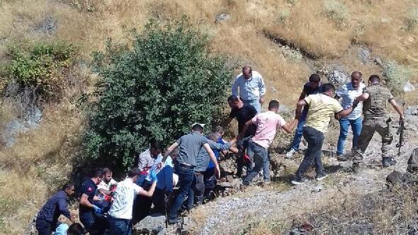 Bitlis Haberleri Bitlis Te Otomobil Sarampole Yuvarlandi