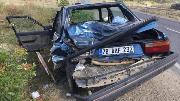 Beton mikseri otomobile çarptı:1 yaralı