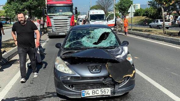 Yolun karşısına geçmek isterken otomobil çarptı, hastanede öldü