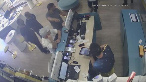 Ataşehirde SİM kart baskını kamerada