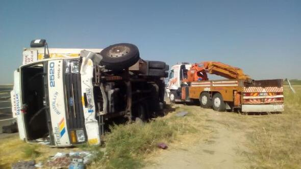 Nusaybinde kamyon devrildi: 4 yaralı