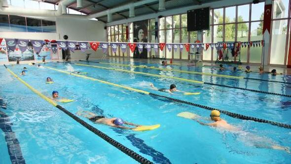 Çocuklar tatillerini spor yaparak değerlendiriyor