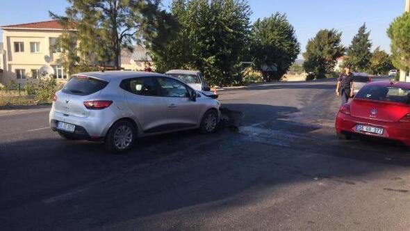 İzmirde iki otomobil çarpıştı: 4ü çocuk 8 yaralı